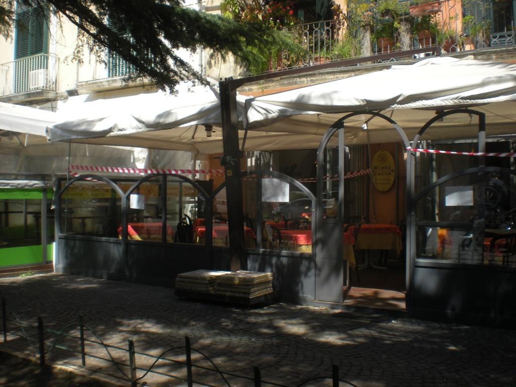 Foto sequestro strutture in Salerno