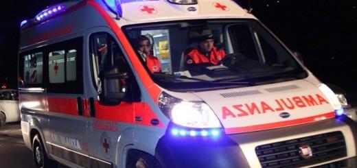 ambulanza_croce rossa italiana notte
