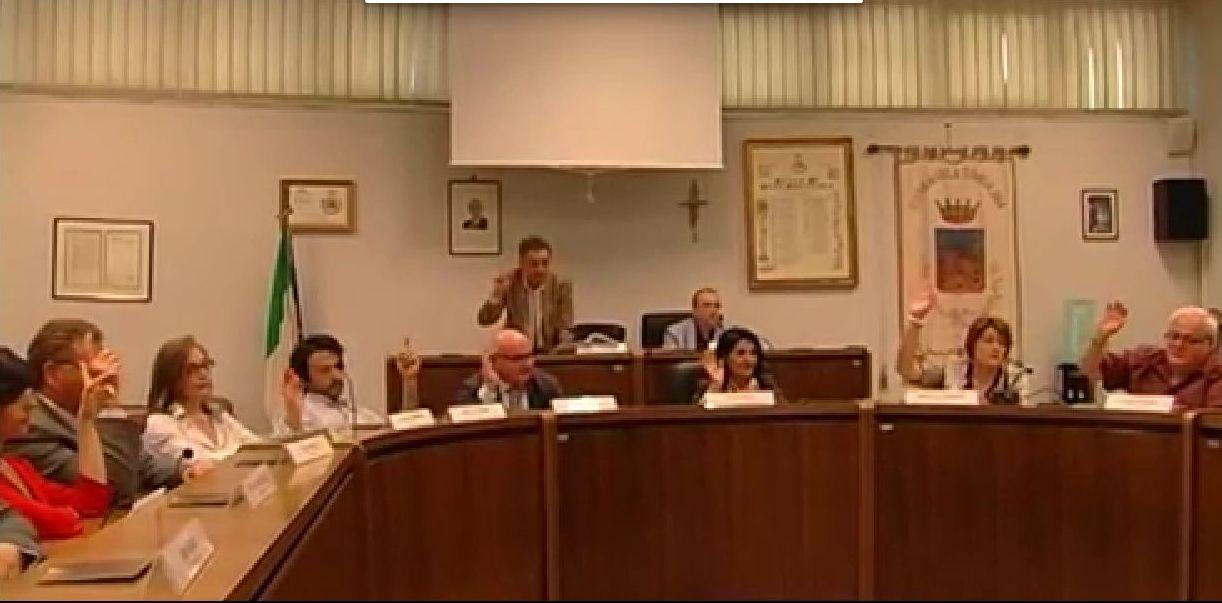 Risultati immagini per sala consilina consiglio comunale insediamento