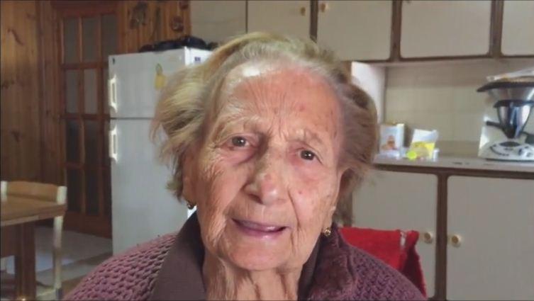 Nonna e nipoti hard