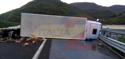 incidente a3 casalbuomo.Immagine006