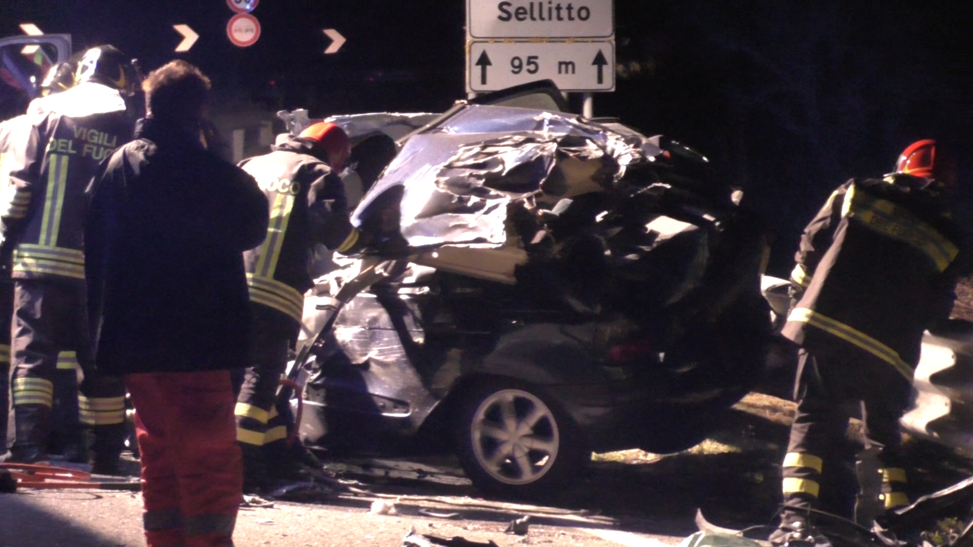 Tre morti in incidente stradale ad Atena Lucana