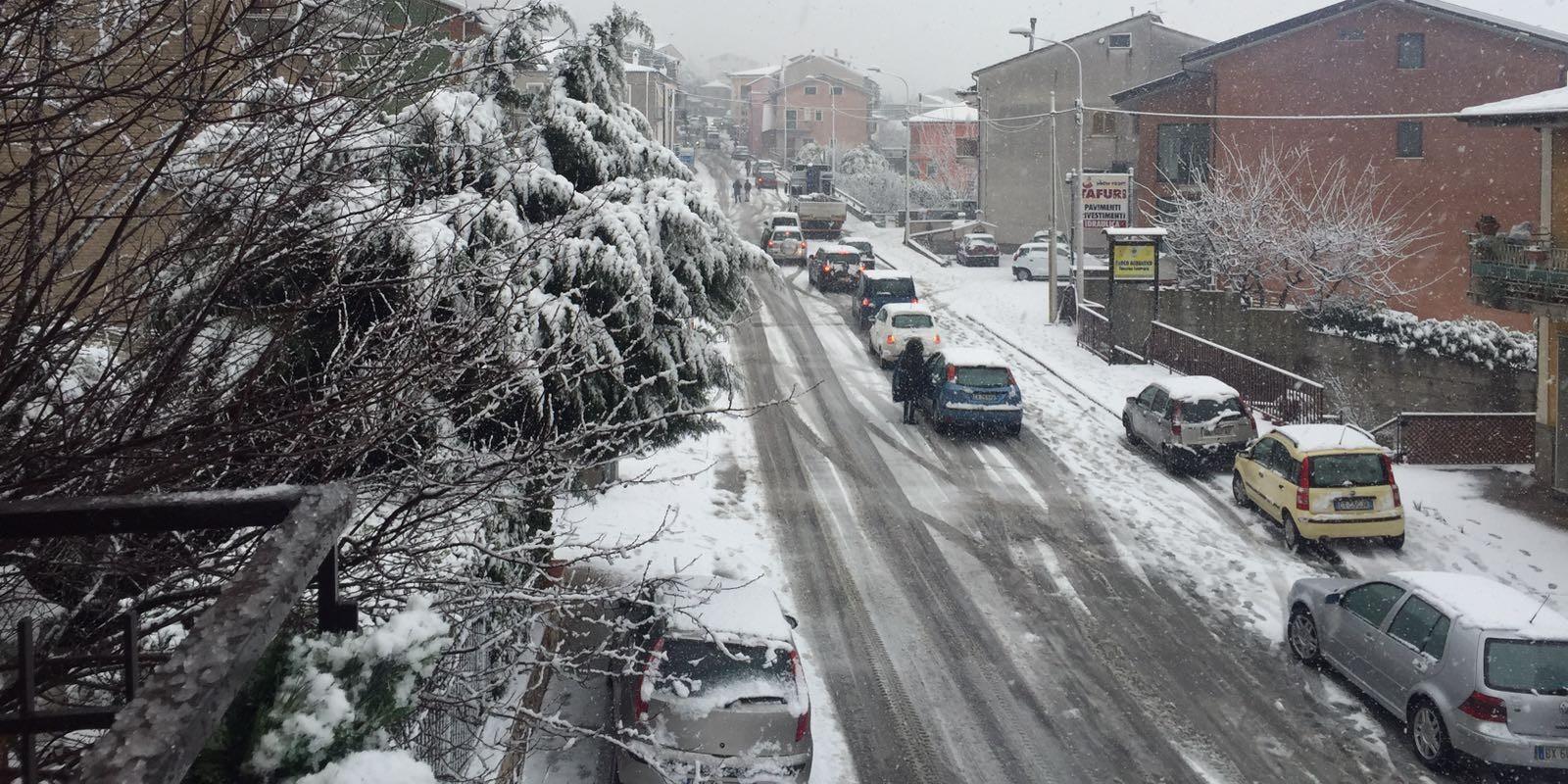 Sala consilina disagi per la neve in localit taverne for Foto di taverne arredate