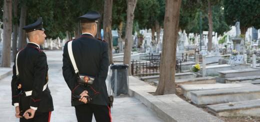 aggressione cimitero san rufo carabinieri