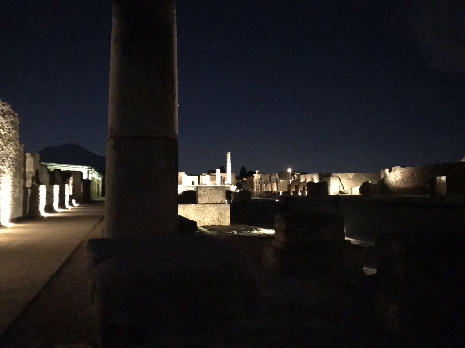 Scavi di Pompei: turista defeca nella domus del Menandro, è una vergogna