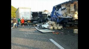 incidente stradale a2 mediterraneo perina (2)