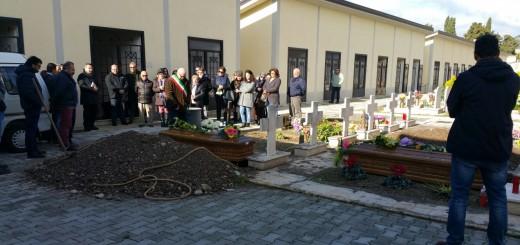 sepoltura migranti salme cimitero sala consilina 2