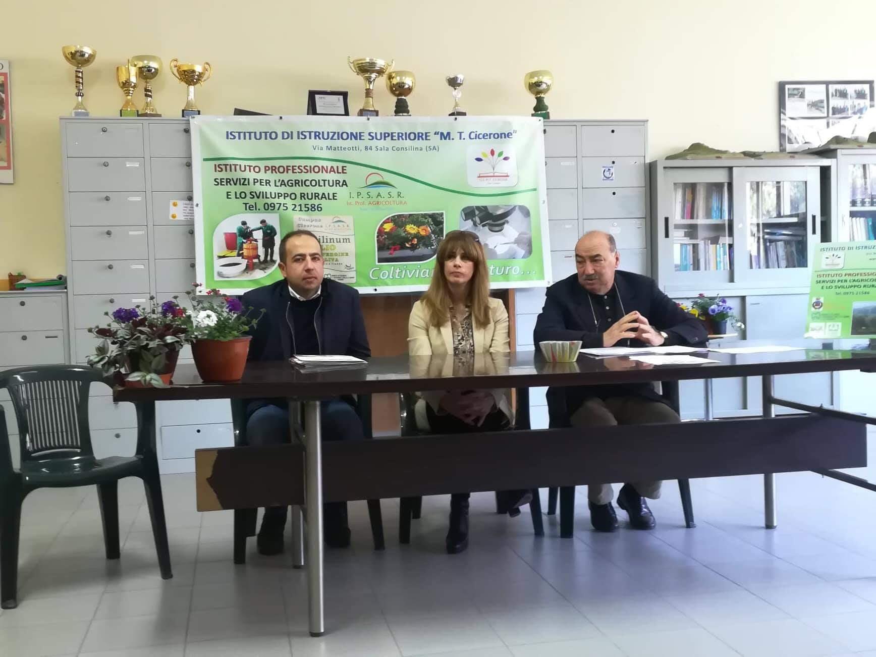 """Conferenza stampa presso l'Ipsasr di Sala Consilina sul progetto Europeo """"EducLocalFOOD"""""""