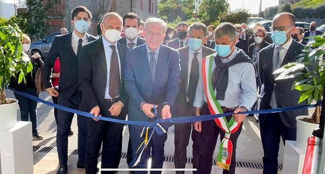 Roccagloriosa, la Bcc Monte Pruno inaugura i nuovi uffici. Duro atto di accusa ai sindaci del Dg Albanese :